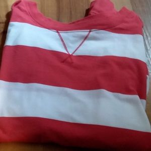 SO red and white Cropped tee